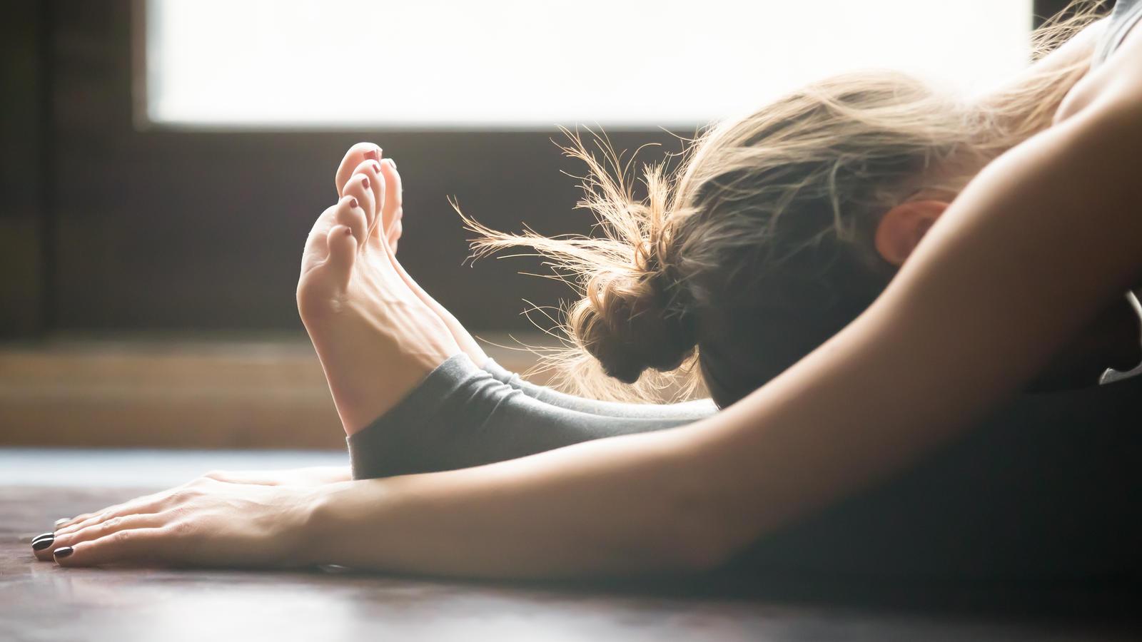 Yoga zum Abnehmen von Bauch- und Taillenübungsanfängern