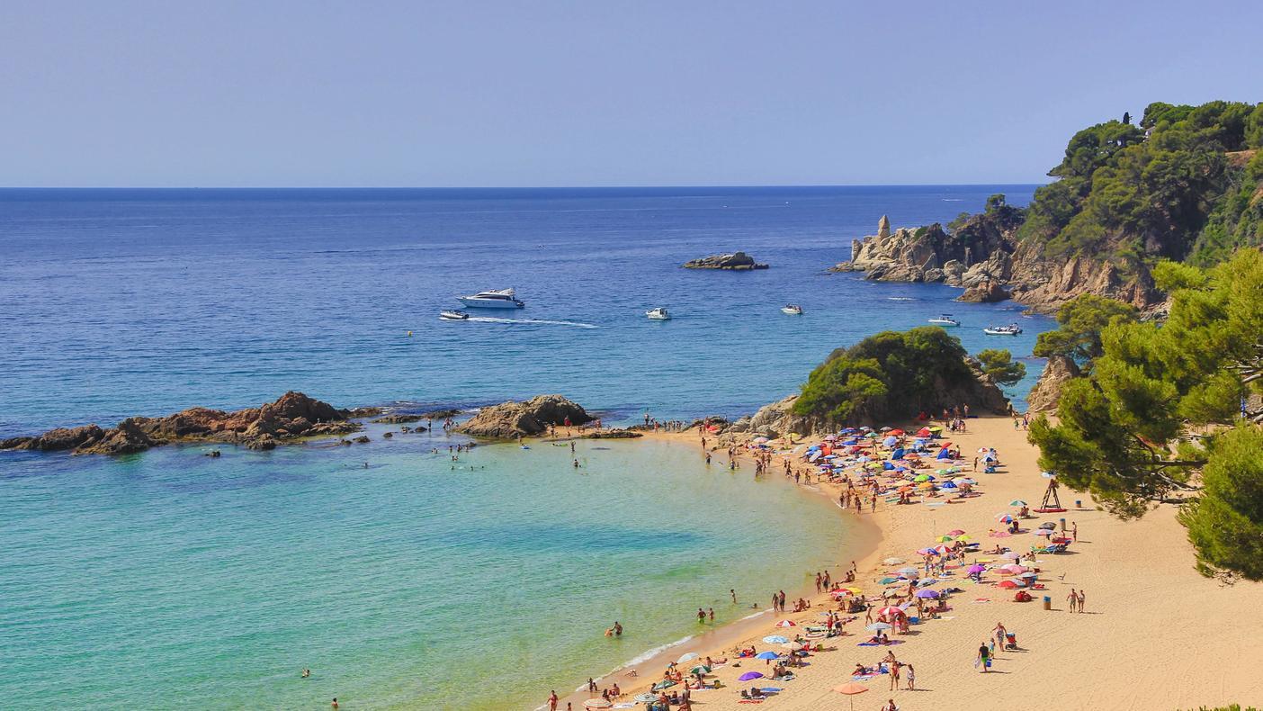 An der Costa Brava sind die Verdächtigen von spanischen Polizisten festgenommen worden (Symbolbild).