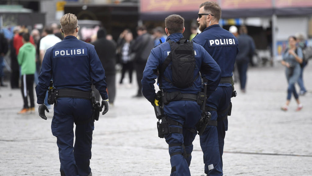 Police patrols at the Turku Market Square, in Turku, Finland August 19, 2017. Lehtikuva/Vesa Moilanen/via ATTENTION EDITORS - THIS IMAGE WAS PROVIDED BY A THIRD PARTY. FINLAND OUT.