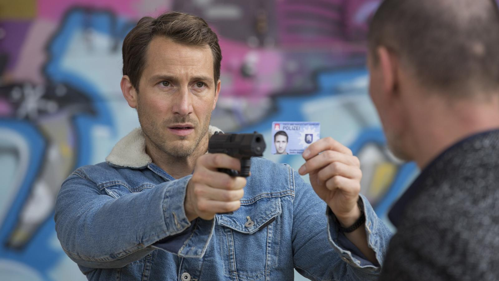 "David Rott spielt in ""Bad Cop - kriminell gut"" Jan Starck."