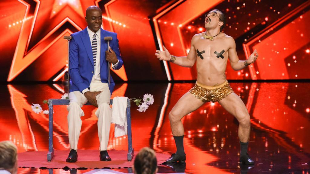 Bei der Show von Raul Domingos Veiga wird Bruce Darnell ganz anders.