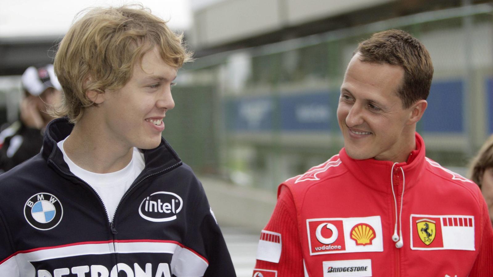 Wenn es nach Sebastian Vettel (l) geht, soll sich bei Ferrari Geschichte wiederholen