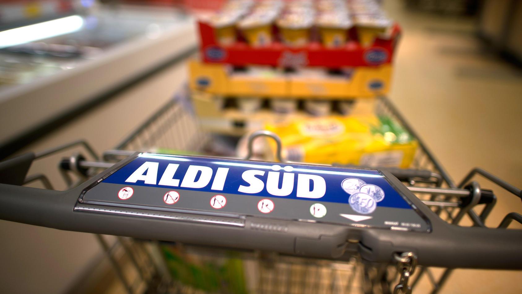 Der Teppich am Eingang der Aldi-Filialen hat eine besondere, die Einkaufswagen betreffende Funktion.