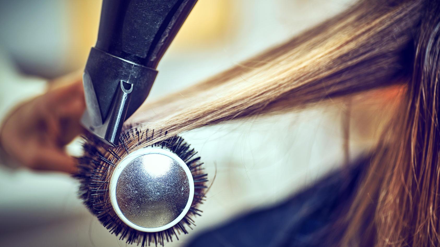 Haare föhnen wie im Friseursalon