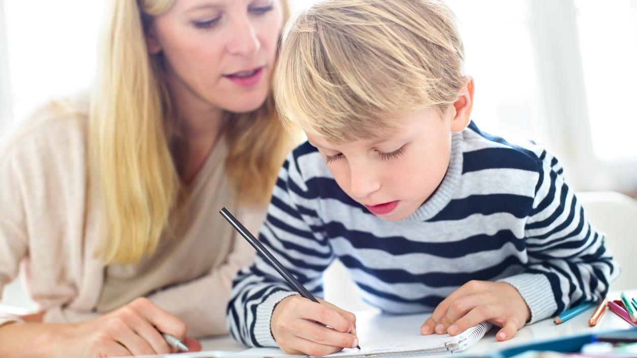 Lernen unsere Kinder wegen der Schreiben-nach-Gehör-Methode nicht mehr richtig schreiben?