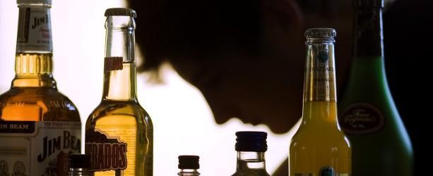 Unter Alkoholvergiftung versteht man eine Störung der Hirnfunktionen durch eine Überdosis Alkohol.