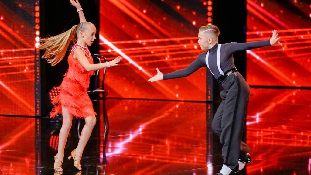 Angelina und Elias tanzen wie die Großen