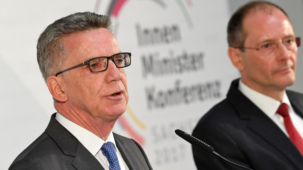 Thomas de Maizére (CDU) beim Abschluss der Innenministerkonferenz