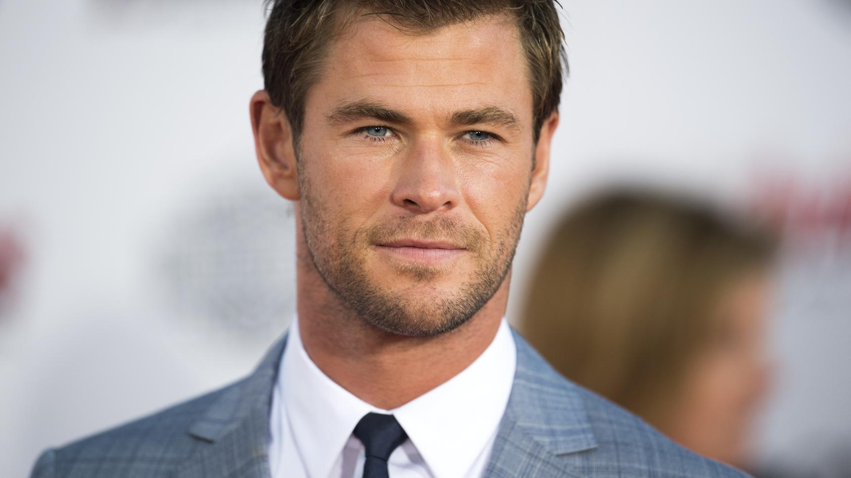 Chris Hemsworth hat nicht mal Unterwasser seine Ruhe.