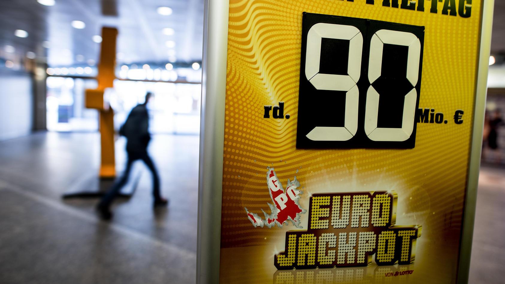Ein Spieler aus Finnland hat den Eurojackpot geknackt und ist jetzt 90 Millionen Euro reicher.