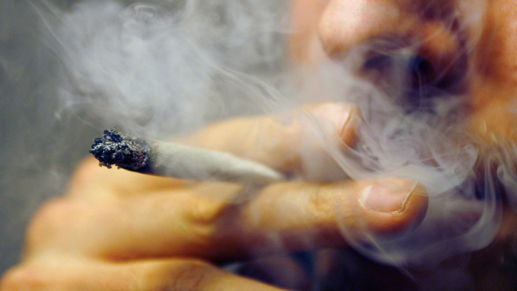 Die Legalisierung für Cannabis würde viele Probleme beseitigen, so Müller.