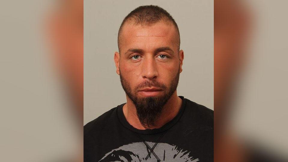 Die Kölner Polizei fahndet nach Serkan D. (30), der zwei 'Bandidos'-Rocker angeschossen haben soll.