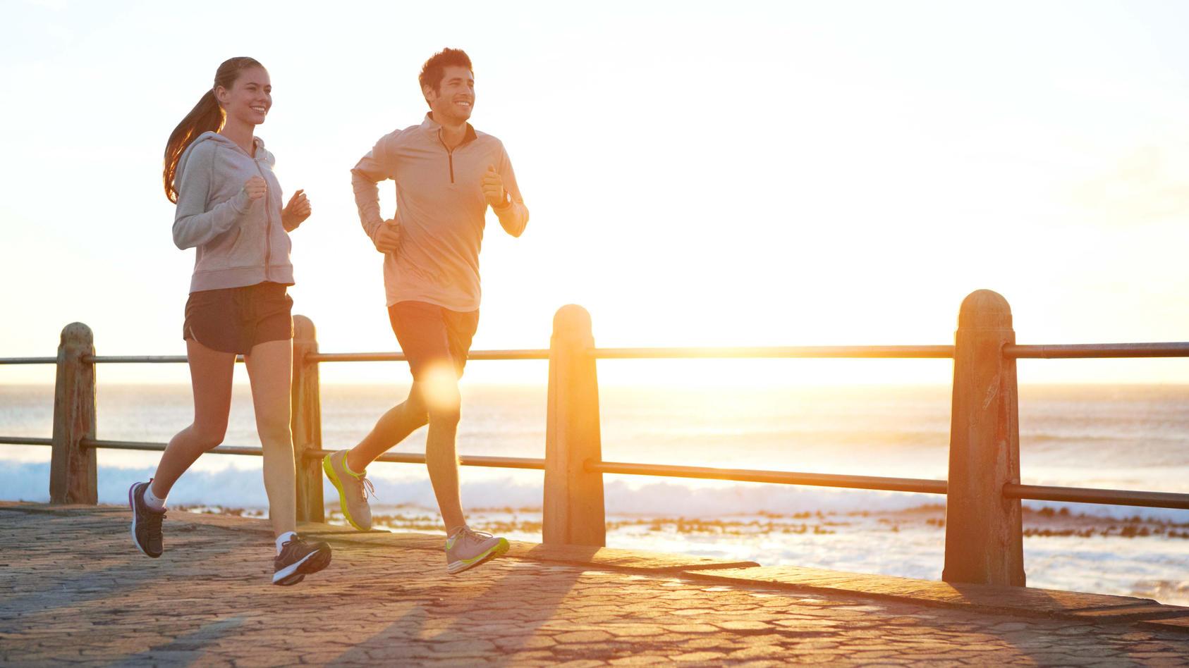 Joggen, Schwimmen & Co.: Mit diesen Tipps für leichtes Ausdauertraining sind Sie im Handumdrehen konditionell besser in Form