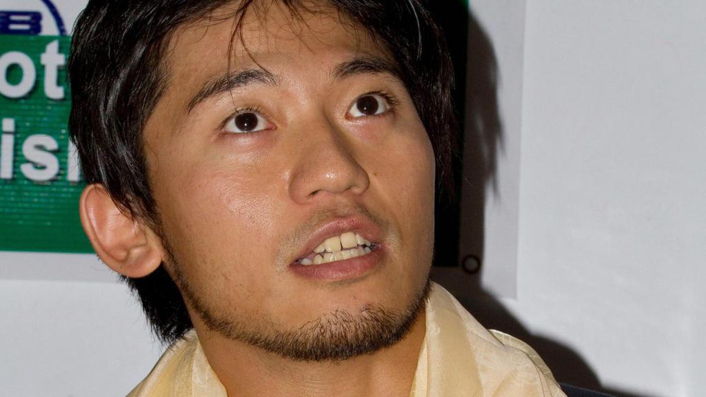 """ARCHIV - Der japanische Bergsteiger Nobukazu Kuriki, aufgenommen am 20.08.2010 am Basis Camp am Mount Everest in Nepal. Foto: EPA/NARENDRA SHRESTHA/dpa (zu dpa """"Japaner bricht Besteigungsversuch des Everest ab"""") +++(c) dpa - Bildfunk+++"""