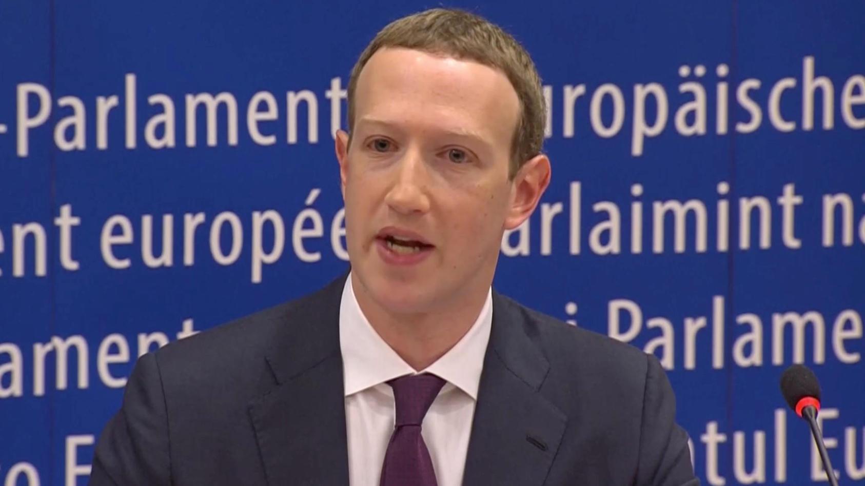 Facebook-Chef Mark Zuckerberg muss sich erklären: Im EU-Parlament in Brüssel stellte er sich den Fragen der Parlamentarier
