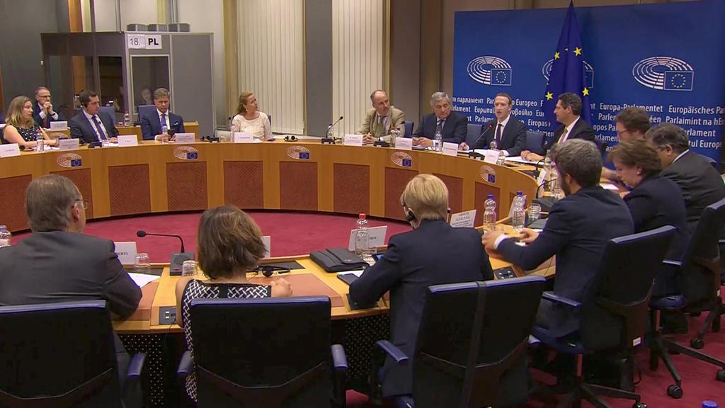 Facebook-Chef äußert sich zu Fragen von EU-Parlamentariern