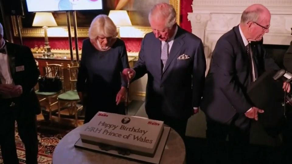 70 Geburtstag Von Prinz Charles Queen Elizabeth Ii Findet Warme Worte