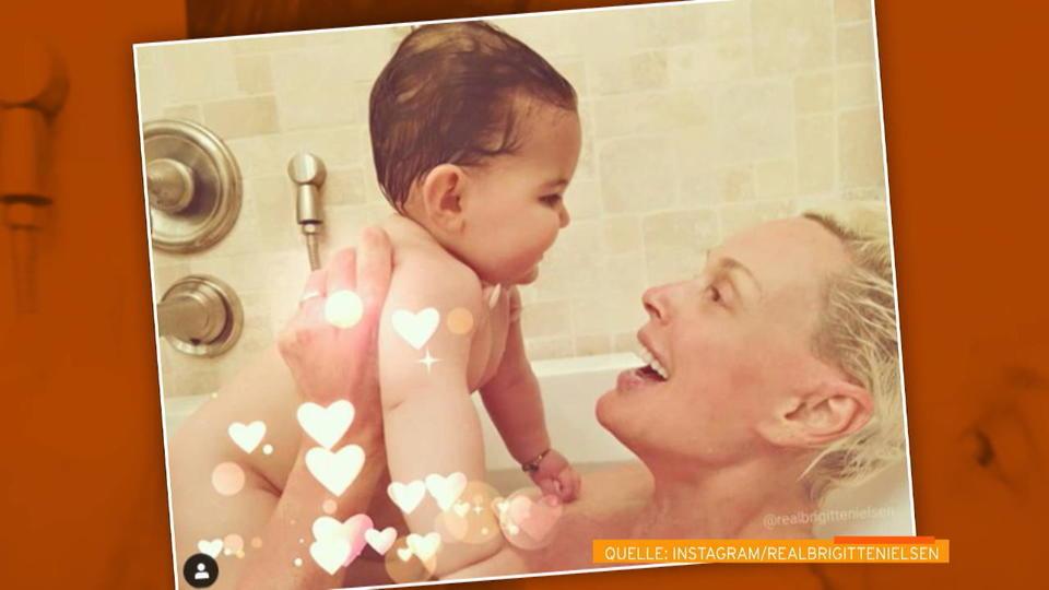 5a3b9a29f162 Brigitte Nielsen  Süßer Badewannen-Schnappschuss mit Baby Frida