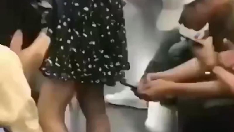 Frauen unter die röcke schauen