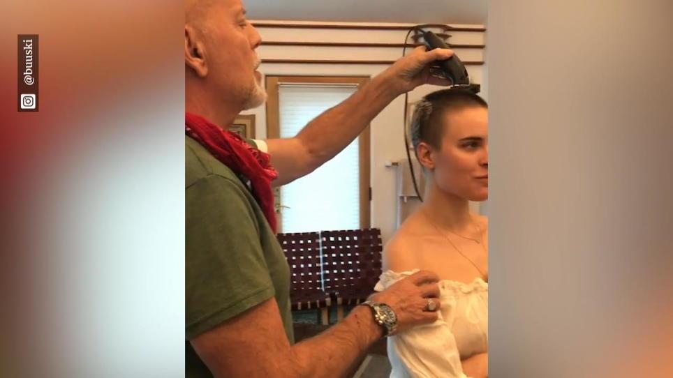 Sich glatze rasiert frau #boldandbadchallenge: Frauen
