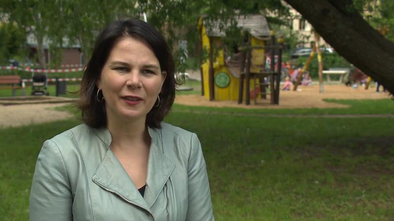 Grünen-Chefin Annalena Baerbock über Homeoffice ohne Kita ...